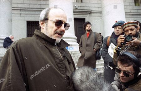 Author E. L. Doctorow speaks to reporters in New York, . Doctorow is one of 16 news organizations and writers who filed a lawsuit challenging the Pentagon's restrictions on the press coverage of the war in the Persian Gulf