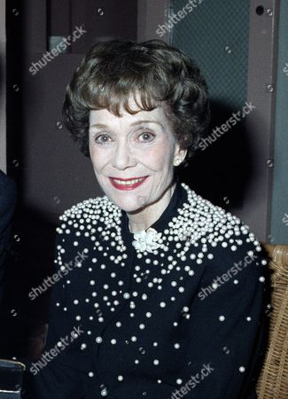 "Actress Jane Wyman is shown at a Hollywood restaurant party honoring night time soap operas, in Los Angeles. She is a star of ""Falcon Crest"