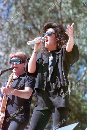 KANTNER Rock singer Grace Slick, right, and guitarist Paul Kantner of the rock group Jefferson Starship perform during a free concert at Golden Gate Park in San Francisco, Calif., on . The group played free concerts in San Francisco under the name Jefferson Airplane in the 1960s