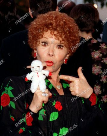 LEWIS This is March 1994 photo of children's entertainer Shari Lewis who charmed youngsters for decades with furry sidekicks Lamb Chop, Charlie Horse and Hush Puppy, died Sunday evening, in Los Angeles at 65 of complications from uterine cancer