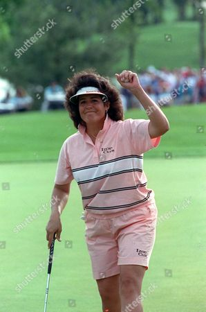 Lopez Nancy Lopez waves to the gallery after sinking her par putt on the 18th hole to win the Sara Lee Classic in Nashville, Tenn., . Lopez shot a 1-under-par 71 for the day and finished the tournament two strokes ahead of Kris Monaghan