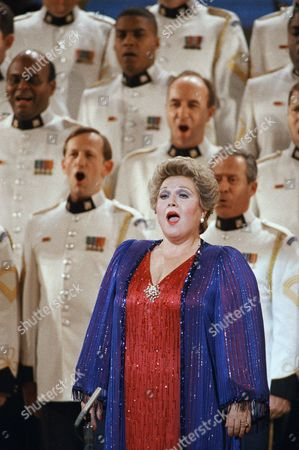 """Marilyn Horne Singer Marilyn Horne performs """"God Bless America"""" at the ASCAP concert celebrating Irving Berlin's 100th birthday at Carnegie Hall, New York. The star-studded concert was followed by a dinner-dance at the New York Hilton"""