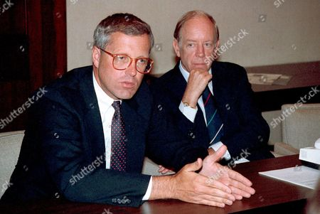 """JAMES A. JOHNSON The Federal National Mortage Association """"Fannie Mae"""" announced at a Washington news conference that James A. Johnson, left, has been elected by the board of directors to be the new chief executive officer of the group succeeding David O. Maxwell, at right, who has announced that he will retire from that post on January 31, 1991. Johnson will assume his new post on February 1, 1991"""