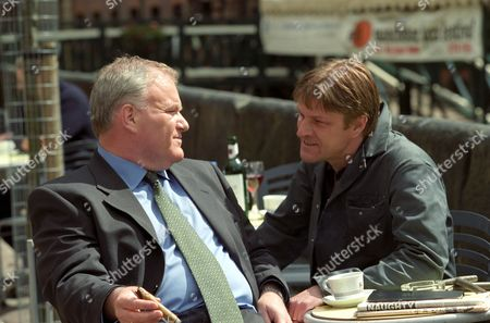 Ron Donachie and Sean Bean in a scene from 'Extremely Dangerous' - 1999
