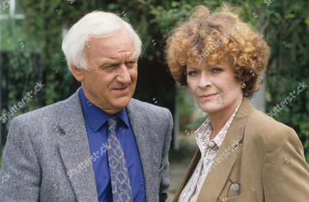 John Thaw and Janet Suzman in 'Morse' - 1993 Episode: 'Deadly Slumber'
