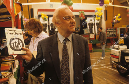 John Thaw in 'Morse' - 1992 Episode: Happy Families'