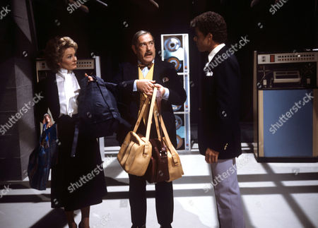 Patrick Newell (centre) in 'Entertainment Express' - 1984