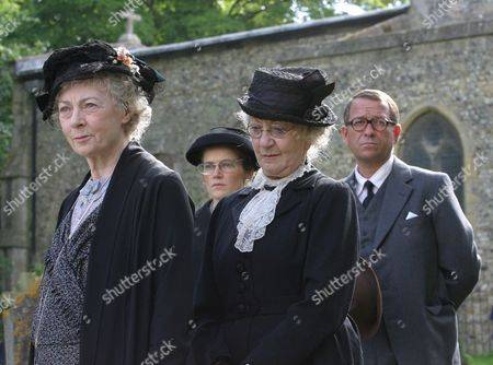 Stock Photo of 'Marple' - 'The Moving Finger'  Geraldine McEwan, Thelma Barlow,