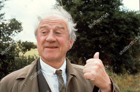Cyril Cusack in 'Tales Of The Unexpected' - 1980 Episode: 'The Hitch-Hiker'