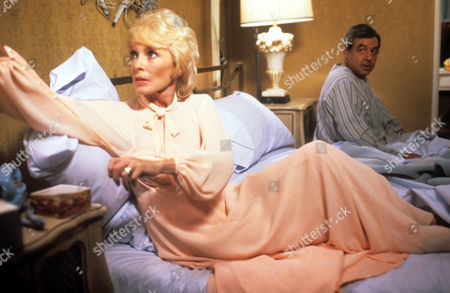 Janet Leigh and Tom Bosley in 'Tales Of The Unexpected' - 1982 Episode: 'Light Fingers'