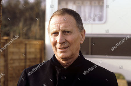 Alfred Burke in 'Tales Of The Unexpected' - 1980 Episode: 'Flypaper'