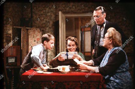 'Shine on Harvey Moon' - 1982 Lee Whitlock, Linda Robson, Kenneth Cranham and Elizabeth Spriggs