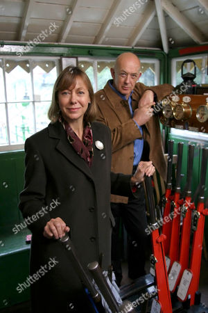 'The Train set' 2005 - Jenny Agutter, Roy Marsden, at Alresford Station on the Watercress Line, Nr Winchester