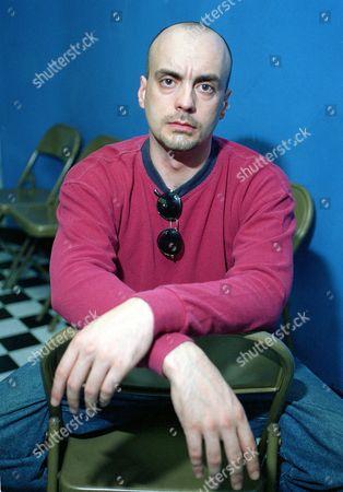 Gomez Director Nick Gomez poses in his New York studio in July 1992