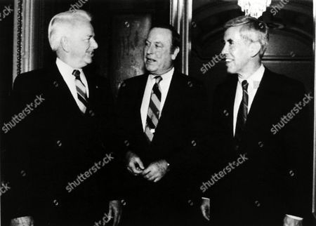 Robert Byrd, Richard Lugar, Alan Dixon Sens, Robert Byrd, D-W, Va., left, Richard Lugar, R-Ind., right: and Alan Dixon, D-Ill., talk on Capitol Hill after the Senate voted 52-47 to endorse the agreement for the United States and Japan to coproduce the new FSX jet fighter. Former Democratic U.S. Sen. Alan Dixon of Illinois died, at his home in Fairview Heights, Ill., his son Jeffrey said. He was 86