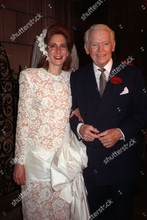 """FAIRBANKS Douglas Fairbanks Jr., and his wife, Vera Shelton are shown in this wedding photo in New York in this photo. The rakishly handsome actor, producer, author and businessman who was a real-life war hero and friend of royalty, died in New York, Sunday May, 7, 2000. Fairbanks made his own mark in some 75 movies, including """"Catherine the Great,"""" """"The Prisoner of Zenda,"""" """"Gunga Din,"""" """"Little Caesar,"""" """"Sinbad the Sailor"""" and """"State Secret."""" He was 90"""