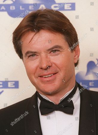 URICH Robert Urich is shown at the ACE awards in Los Angeles on Jan. 17, 1993. Urich, an Emmy-winning actor best known for his starring roles in sleuth series such as ''Vega$'' and ''Spenser: For Hire,'' died, of cancer. He was 55