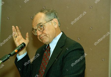 "Stock Image of Richard Dysart Actor Richard Dysart, who plays senior law partner Leland McKenzie in the television show ""L.A. Law,"" gestures during a panel discussion on ""The Ethics of L.A. Law"" during the annual American Bay Association convention in San Francisco, Calif"