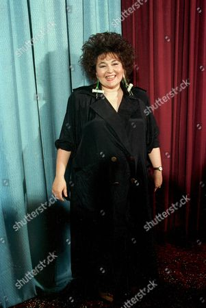 ROSANNE BARR Comedienne Roseanne Barr poses at the Ameican Comedy Awards in Los Angeles, Calif., on