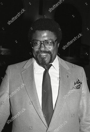 """Rosey Grier Former football star Rosey Grier has launched """"Giant Step,"""" a Los Angeles organization that aids children and senior citizens, . """"We've got to take better care of our young people and our elderly,"""" the 50-year-old Grier said"""