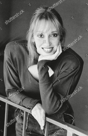 """Actress-producer Shelley Duvall pauses in her hectic schedule as producer of Showtime Cable Network's """"Faerie Tale Theater,"""" to pose for a quick photo session recently in Los Angeles"""