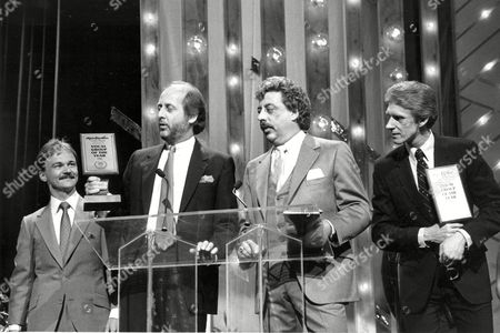 The Statler Brothers, Jimmy Fortune, Don Reid, Harold Reid, and Phil Balsley, from left, accept the award as Vocal Group of the Year at the 20th TNN/Music City News Country Awards show at the Grand Ole Opry House in Nashville, Tenn., on