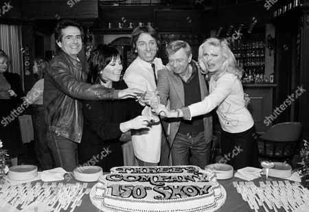 "Kline Knotts Barnes Ritter The cast of the TV sitcom ""Three's Company"" cut the cake together during a small cake and champagne party following the taping of their 150th episode, in Los Angeles. The stars, from left, are Richard Kline, Joyce DeWitt, John Ritter, Don Knotts, and Priscilla Barnes"