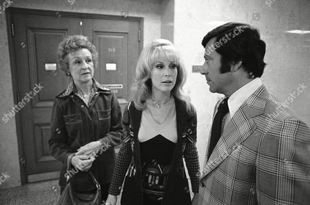 """Barbara Eden, Alice Huffman, Joseph Taback Actress Barbara Eden leaves Los Angeles Superior Court on with her mother, Alice Huffman, and attorney Joseph Taback after obtaining a divorce from actor Michael Ansara, her husband of 15 years. She formerly played the title role in the television series """"I Dream of Jeannie"""