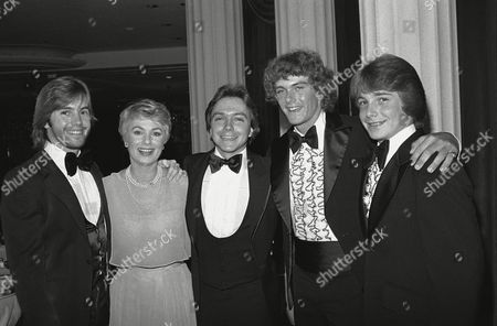 Shirley Jones, Shaun Cassidy, David Cassidy, Patrick Cassidy, Ryan Cassidy Actress Shirley Jones poses for a family portrait with her children at a testimonial dinner in Los Angeles, honoring Ms. Jones ?for her outstanding service as the National Leukemia Broadcast Council?s National Chairwoman.? From left are: Shaun Cassidy, Shirley, David Cassidy, Patrick Cassidy and Ryan Cassidy. Ms. Jones was formerly married to the boys father actor Jack Cassidy. The National Leukemia Broadcast Council is an organization of volunteers who fight leukemia by producing media fund raising events