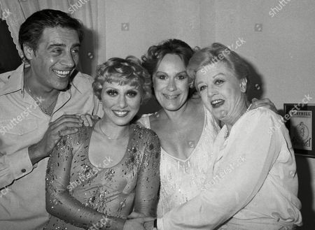 Angela Lansbury, right, chats with the starts of the new Broadway musical 42nd Street backstage at New Yorks Winter Garden Theater, New York. The stars are, from left: Jerry Orbach, Wanda Richert, and Tammy Grimes. Miss Lansbury went backstage to congratulate the three or their performances