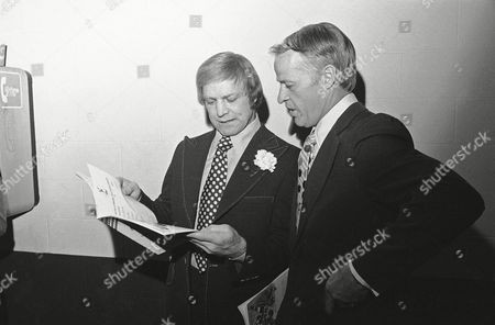 Gordie Howe, Bobby Hull Former National Hockey League greats Bobby Hull, left, and Gordie Howe look over the program before the start of the World Hockey Association All-Star dinner in Hartford, . Howe, of the Houston Aeros, and Hull, of the Winnipeg Jets, will both be playing in the WHA All-Star game on Tuesday in Hartford