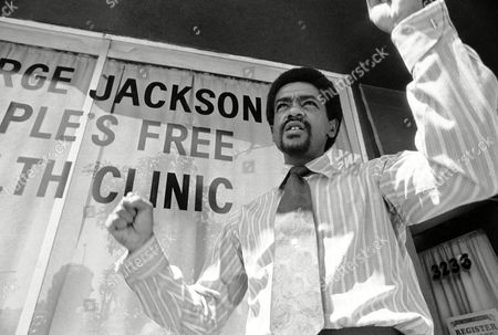 The new Bobby Seale, in tie and shirt in front of the Panthers? free clinic in Berkeley on