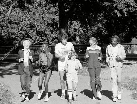 Jones Boggs Reese Merrill Warhol From left, underground artist Andy Warhol, singer Grace Jones, talk show host Bill Boggs, child actor Mason Reese, actress Dina Merrill, and photographer Gordon Parks jog through New York's Central Park, to promote an upcoming charity run later in September at Jones Beach State Park. The run will benefit the Juvenile Diabetes Foundation