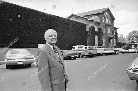 Don Reid Don Reid outside Texas State Prison in Huntsville, Texas on