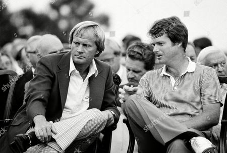 Watson Nicklaus Masters champion Tom Watson, right, talks with runner-up Jack Nicklaus during ceremonies at the Augusta National Golf Club in Augusta, Ga., . Watson won with a score of 280 and Nicklaus tied with Johnny Miller with 282