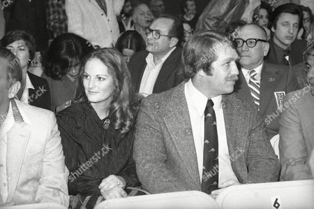 Patty Hearst, Anne Hearst Newspaper heiress Patricia Hearst and her husband Bernard Shaw are among the spectators for the double header title fights at Caesars Palace in Las Vegas, . They'll watch the battles of Sugar Ray Leonard vs Wilfred Benitez and Marvin Hagler vs. Vito Antuofermo