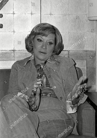 Singer Patti Page speaks during an interview, in San Francisco. She says after 30 years in show business she has just one goal left. ?I?d really like to have just one more hit record so my kids and their friends would know who I am,? says the 48-year old vocalist