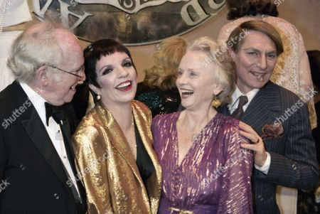 """From left to right: actors Barnard Hughes, Liza Minnelli, Jessica Tandy, and John Cullum pose together on the stage at the Shubert Theater in New York after receiving their Tony Awards, . Ms. Minnelli won best actress in a musical for """"The Act,"""" Ms. Tandy won best actress for """"The Gin Game,"""" Mr. Cullum won best actor in a musical for """"On The Twentieth Century,"""" and Mr. Hughes won best actor in a play for """"Da"""