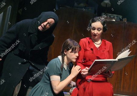 Alexi Kaye Campbell ( Ratcatcher ) and Matti Houghton ( Eva ) and Pandora Colin ( Helga )