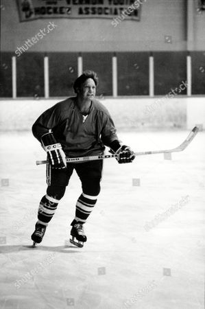 Hull Bobby Hull skates down the ice for the first time with his new NHL team, the Hartford Whalers, in Bolton, Conn., on . Hull joined the Whalers Friday after a two month layoff due to a shoulder injury. He played the first part of the season with the Winnipeg Jets of the WHA