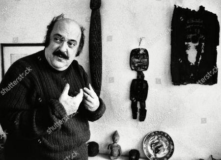 "Actor Zero Mostel of James Joyce's ""Ulysses"" shown in his studio, New York"