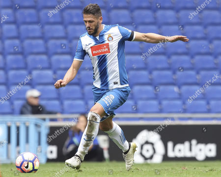 Martin Demichelis of RCD Espanyol shoots during the Liga match between RCD Espanyol and SD Eibar played at the RCD Espanyol Stadium, Barcelona, Spain on 22th October 2016