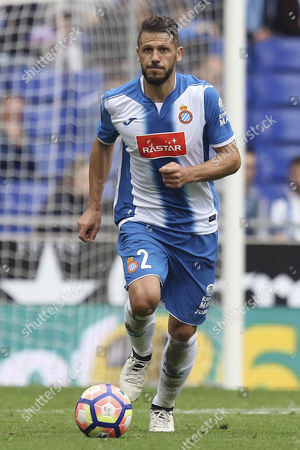 Martin Demichelis of Espanyol runs with the ball during the Liga match between RCD Espanyol and SD Eibar played at the RCD Espanyol Stadium, Barcelona, Spain on 22th October 2016