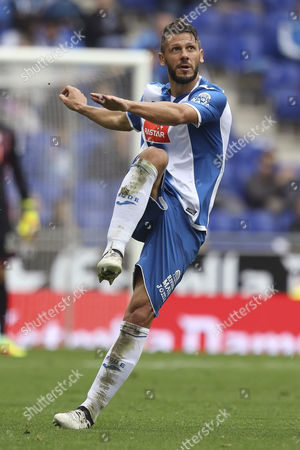 Martin Demichelis of Espanyol looks the ball after shoots during the Liga match between RCD Espanyol and SD Eibar played at the RCD Espanyol Stadium, Barcelona, Spain on 22th October 2016