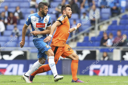 Martin Demichelis of RCD Espanyol and Sergi Enrich of SD Eibar during the Liga match between RCD Espanyol and SD Eibar played at the RCD Espanyol Stadium, Barcelona, Spain on 22th October 2016