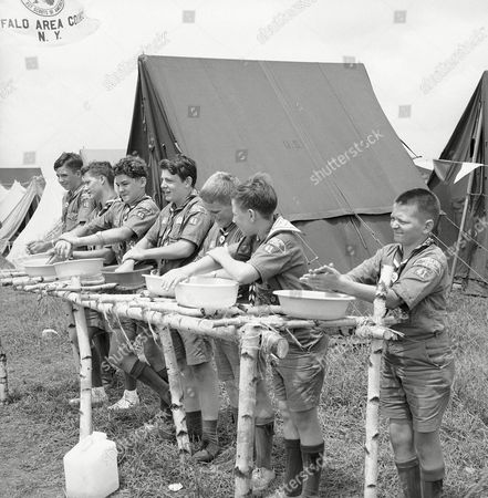 Boy Scouts at the Valley Forge Jamboree remember part of their Scout law, . From left are David Mundie and Ian McMillan of Kenmore, Al Altendorfer, Buffalo; Terry Schultz, Kenmore: Wayne Snyder, Tonawanda: John Schull, Buffalo and Dave Jones, Tonawanda