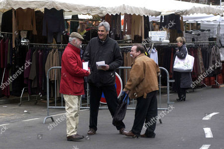 Charles Napoleon campaigning at the market in Fontainebleau