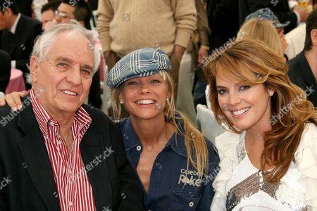 Garry Marshall, Julie McCullough and Sandra Taylor