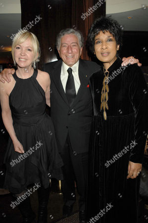Sally Green withTony Bennett and Moira Stuart
