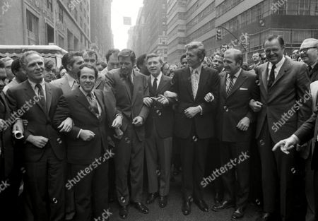 Watchf Associated Press Domestic News New York United States APHS49928 EARTH WEEK 1971 New York Mayor John Lindsay, third from right, and seven visiting Mayors from U.S. Cities prepare to walk down Madison Avenue in New York participating in Earth week ceremonies. Mayors from left are: Kenneth Gibson, Newark; Kelvin White, Boston; Sam Massell, Jr., Atlanta; Peter Flaherty, Pittsburgh; Henry Maier, Milwaukee; Lindsay; Roman S. Gribbs, Detroit and Harry G. Haskell of Wilmington, Del